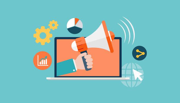 إدارة حسابات التواصل الإجتماعي, مراجعة ومراقبة جميع التعليقات الإيجابية والسلبية من قبل الزائرين على صفحاتك في وسائل التواصل الاجتماعي بشكل يومي