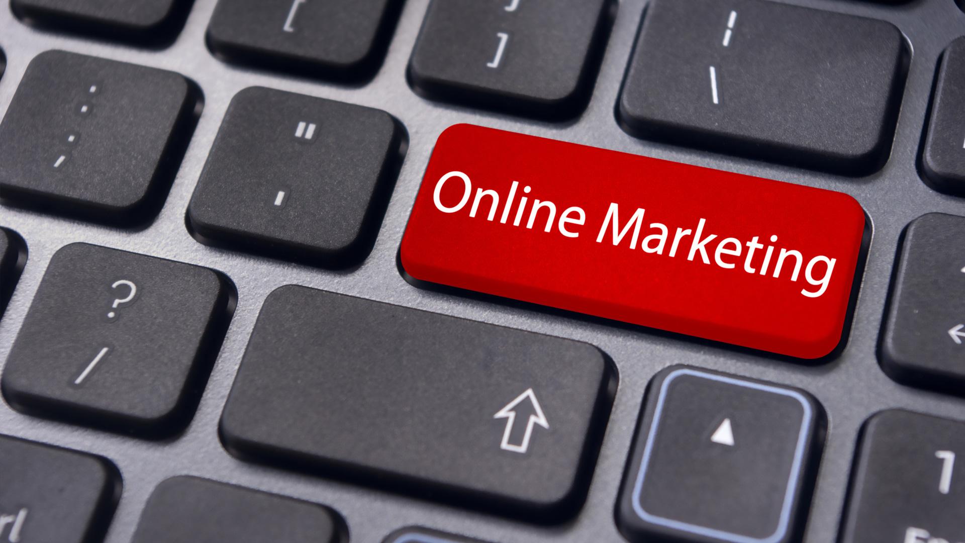 مقارنة بين التسويق الإلكتروني والتسويق التقليدي والفروق بينهما